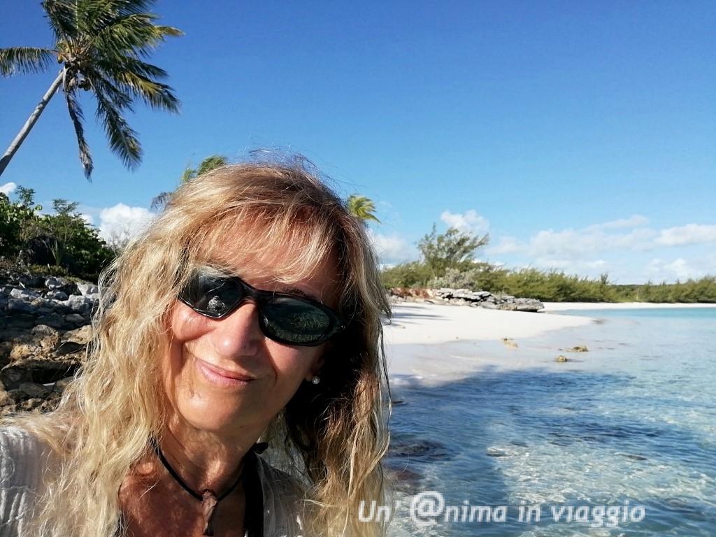 exuma jolly halll beach bahamas